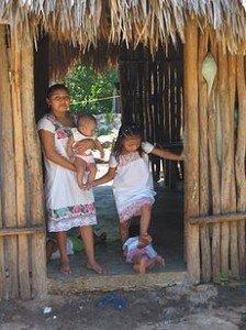 Côté positif de la prophétie Maya dans MAYAS 230px-Tunkan_Maia_Yucatan-224x300