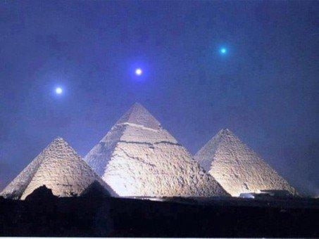 Décembre 2012 sur Gizeh dans 2012 - PREDICTIONS planetsovergiza