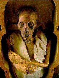 Royaume des morts au temps des pharaons dans La MORT egypte-antique-mort-228x300